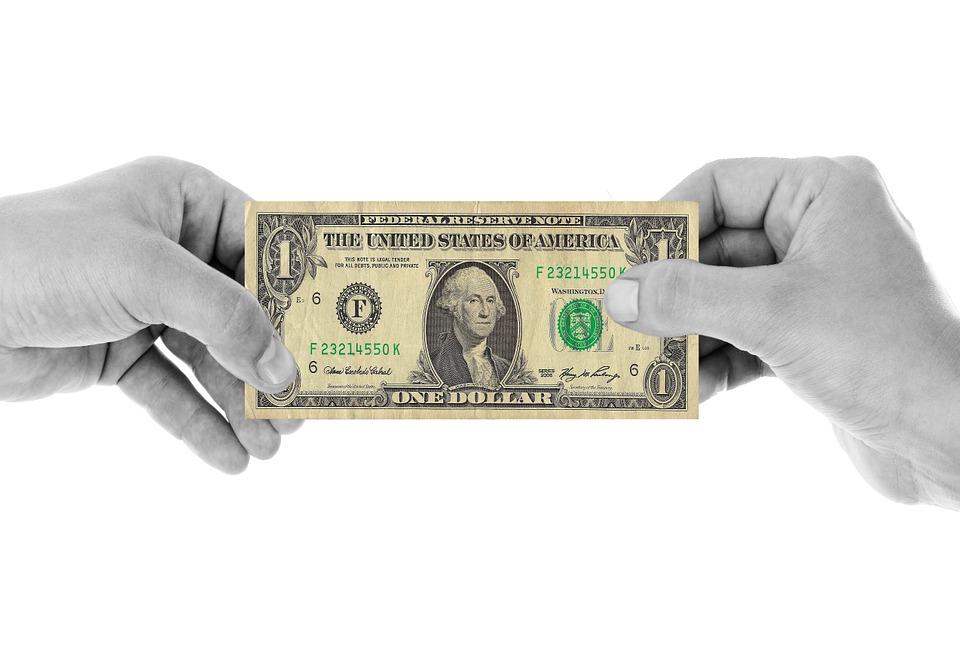 dolar v rukou