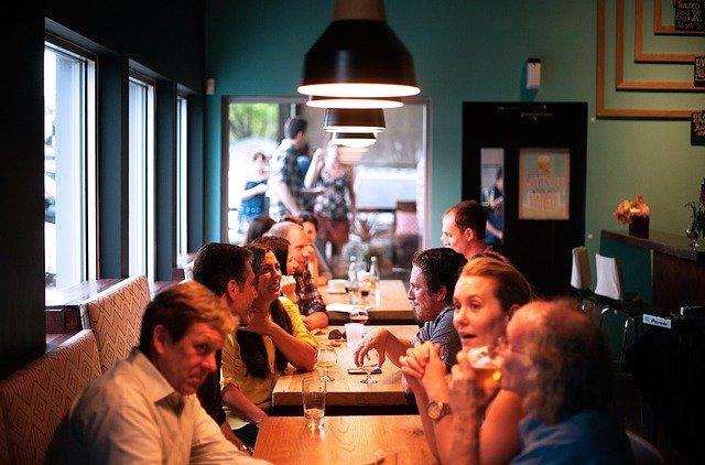 Restaurace, lidé, služby